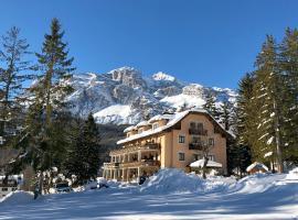 Boutique Hotel Villa Blu Cortina, отель в Кортина-д'Ампеццо