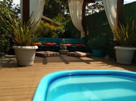 Meio Roots Cabanas de Aluguel, homestay in Praia do Rosa