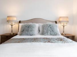 The Bluebird - Luxury Apartment, hotel near Harry Potter Studio Tour, Watford