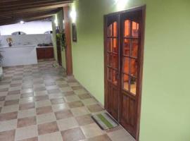 Casa para temporada perto do centro histórico, pet-friendly hotel in Paraty