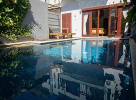 Villa M 2-Bedroom Pool Suite, villa in Senggigi