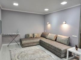 2х комнатные апартаменты VIP на Назарбаева 44, hotel in Pavlodar