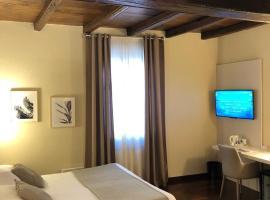 Hotel Boutique Antiche Mura, hotell i Saluzzo