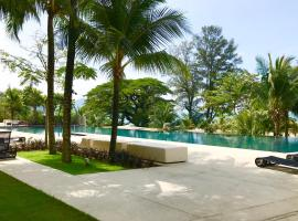 By The Beach - Luxury 2 Bedrooms Family Suite, apartment in Batu Ferringhi