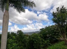 Camping para dos - a escoger segun disponibilidad de caseta o cabaña, glamping site in Caguas