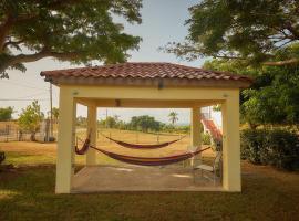 La Cuadra Guest House, hotel in Vieques