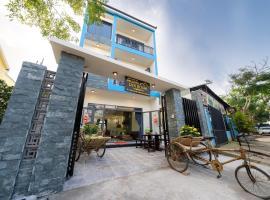 Ri's House Hoi An Homestay, family hotel in Hoi An