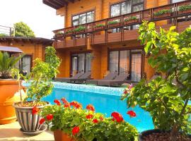 Гостевой Дом Старая Мацеста, отель в городе Мацеста, рядом находится Агурские водопады