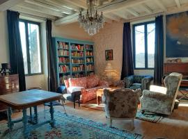 Aux Tuileries Nord, B&B in Créon