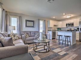 Modern St George Getaway with Shared Pool and Hot Tub!, vacation rental in St. George