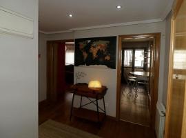 Apartamento , wifi y garaje cerca del centro, hotel near Church of San Miguel de Lillo, Oviedo