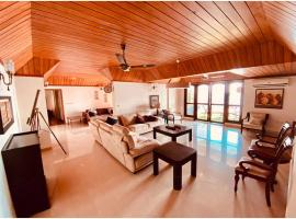 IMPERIAL SUITES @ Skyline, apartment in Cochin