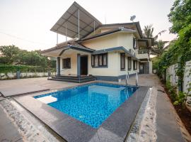 Villa Flora private 4BHK with a pool, hotel with pools in Mapusa