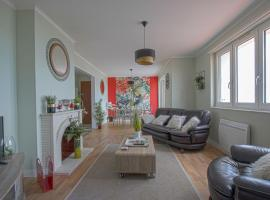 Cosy Apartment in Arromanches-les-Bains Nearby the Sea, apartment in Arromanches-les-Bains