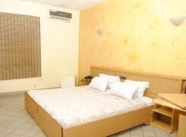 Hôtel Mobydick, hotel in Cotonou