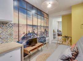 143 Suite La Francaise, Nice APT, Paris, hotel in Paris