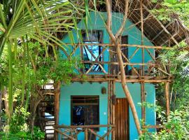 Sagando Hostel & Bungalows Zanzibar, cabin in Michamvi