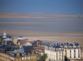 Maison de charme avec vue mer, self catering accommodation in Deauville