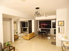 Front Bank Holiday Apartment, apartment in Varanasi