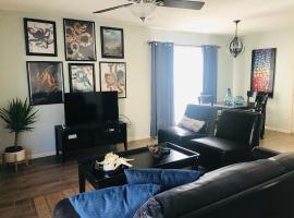 "Sevin on Sunday ""A Sunny Condo By The Beach"", apartment in Galveston"
