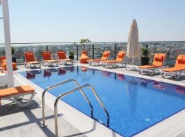 Sky Roof Hotel, ξενοδοχείο σε Lefkosa Turk