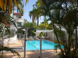 Jen's Place, hotel near Broadbeach Bowls Club, Gold Coast