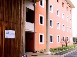Hôtel & Résidence Site du Futuroscope, hotel in Jaunay-Clan