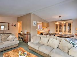 Rocky Mtn Lakeside Living, 4 Mi to Nat'l Park, hotel in Grand Lake