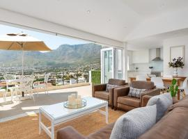 Queens Road 11B, villa in Cape Town