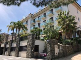 Hotel Ariston & Apartments, hotell i Varazze