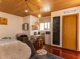 Wine Inn Studio, apartment in Sintra
