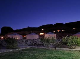 Rural tents Naseem Alouzaib, vacation rental in Al-ʿUla