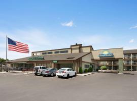 Days Hotel by Wyndham Flagstaff, hotel near Walnut Canyon National Monument, Flagstaff