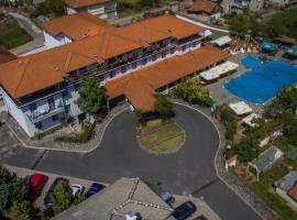 Edi Hotel, hotel in Zlatograd