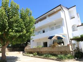 Apartment Gunga, budget hotel in Baška