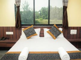 2763 Kovi Inn Nagaon Beach, hotel in Alibag