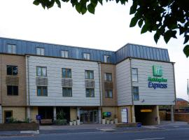 Holiday Inn Express Windsor, hotel near Bearwood Lakes Golf Club, Windsor
