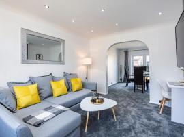 Luxury 3 Bedroom House in Aveley, Thurrock, hotel in Aveley