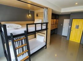 Reset Hostel, hostel in Klong Muang Beach