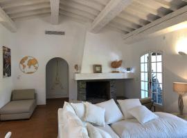 Maison sous les Pins, villa in Cavalaire-sur-Mer