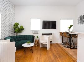 SD Classic Luxury 2/1 APT, apartment in San Diego