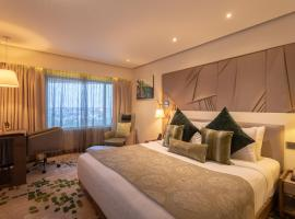 Sayaji Indore, hotel con piscina en Indore