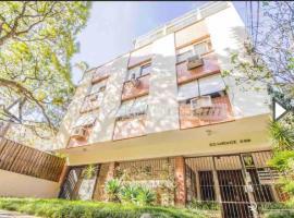 Aeroporto, Shopping Iguatemi e Shopping Moinhos, self catering accommodation in Porto Alegre