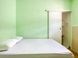 OYO Pousada Mar Verde - 2 minutos da Praia Pajuçara, hotel near Stadium, Maceió