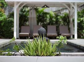 Villa Dizac : 5 ch, piscine, à 100m de la plage, hôtel au Diamant