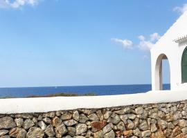 BiniBridge: Front Sea Villa in Binibeca Vell, hotel a Binibeca