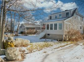 Sunset Cottage, holiday home in Rockport