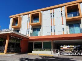 Hotel Azteca Inn, hotel en Mazatlán