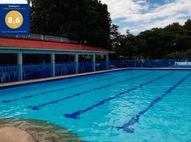 Centro Vacacional CENVATURS, economy hotel in Ricaurte