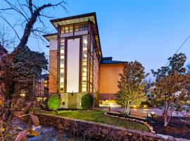 Baskin's Creek Condos III, hotel near Ripley's Aquarium of the Smokies, Gatlinburg